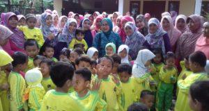 """""""Bunda PAUD Gebang"""" Kunjungi PAUD Almira Najla di Dompyong Wetan"""