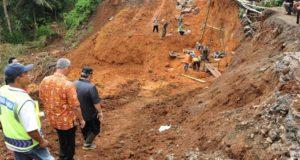 Jabar Tetapkan Siaga Darurat Bencana Banjir dan Longsor Hingga Mei 2018