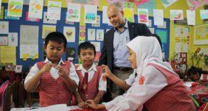 Wakil Presiden RTI Amerika Puji Budaya Baca Siswa SD Cimahi