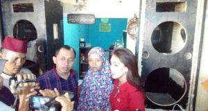 Rieke Diah Pitaloka, Kunjungi Istri Korban Dibakar Massa di Bekasi