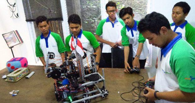 Luar Biasa! Robot Wowwi Buatan Anak Indonesia Sabet Juara 2 Tingkat Internasional
