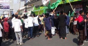 Ratusan Siswa Tasik Anggap Full Day School Singkirkan Madrasah Diniyah