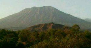 Pantau Perkembangan Gunung Agung Yang Dikhawatirkan Meletus
