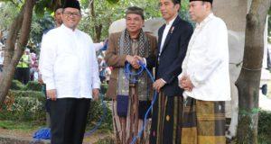 Jokowi Kurban Sapi di Kampung Aher, Sukabumi