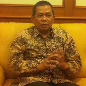 M. Lutfi, Kepala OJK Cirebon