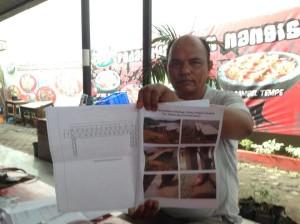 Ketum Lammpu, Sailan menunjukkan dokumen resmi proyek di Sungai Cimanuk yang berlokasi di Jatibarang - Indramayu.