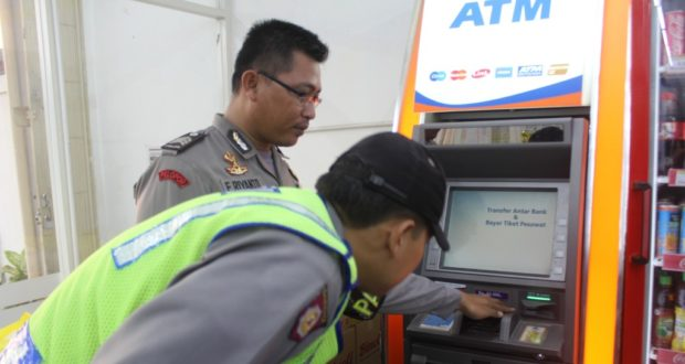Nasabah Bank Mandiri Dijarah Di Atm Bri Indomaret Asjap Jabar Publisher