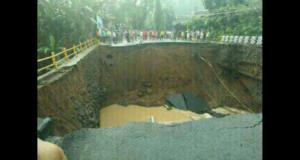 Banjir & Longsor di Banjar Robohkan Jembatan Penghubung Jabar – Jateng