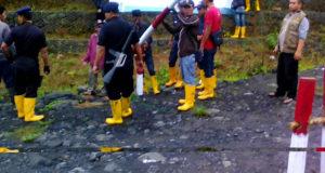 Usir Warga di Tanah Sengketa, PLN Upper Cisokan Gunakan Senjata