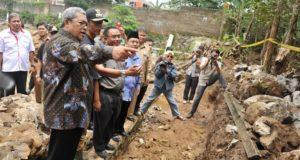 Gubernur Instruksikan Tanggul SMUN 2 Bogor Harus Sesuai Standar