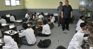 Tinggal 16 Persen Siswa di Jabar yang Masih Melaksanakan UNKP