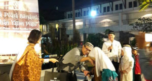 HS Premiere Santuni Seratus Anak Yatim
