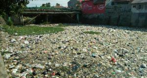Pemkab Tutup Mata, Puluhan Ton Sampah Hiasi Bendungan Canggong