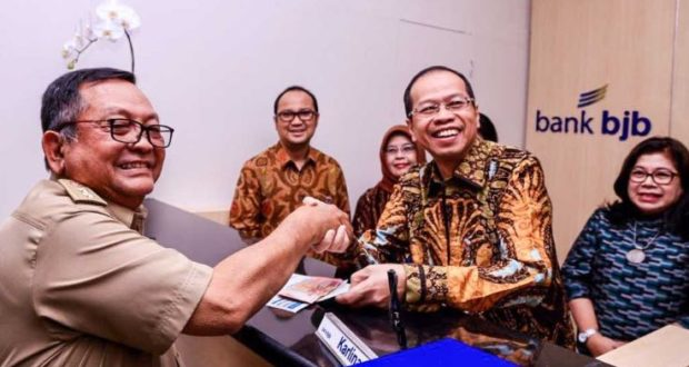 Hari Pelanggan Nasional, Direksi bank bjb Ikut Layani Nasabah