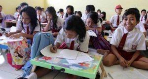 Kadisdik : Pengadaan Kursi dan Meja Sekolah Satu Paket dengan Gedung