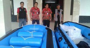 Musim Banjir, Ciledug Dapat Bantuan Perahu Karet