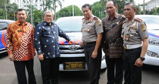 Pemprov Jabar Hibahkan Enam Mobil dan 100 Sepeda Motor ke Polda Metro Jaya