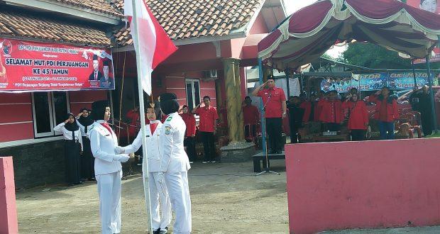 DPC PDIP Kab Cirebon Gelar Upacara Peringati HUT Partainya