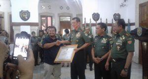 Besar Harto Karyawan Jabat Pangdam Siliwangi, Pangdam Lama Beri Apresiasi Ke Media