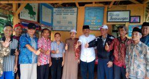 Maman Cawabup KBB Nomor 1 KunjungiPetani Di Desa Sukahaji