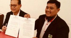 Sudrajat Tandatangani Komitmen Politik dengan KAMMI Jabar