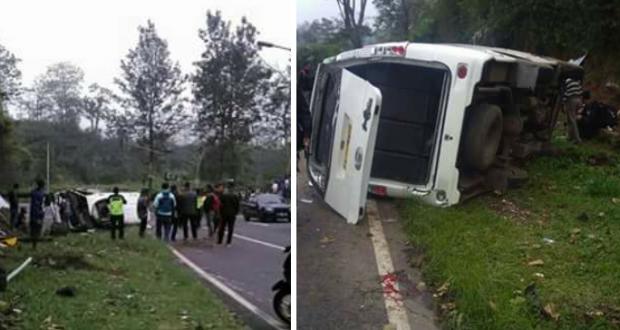 Lagi, Minibus Berisi Belasan Orang Terguling Di Tanjakan Emen
