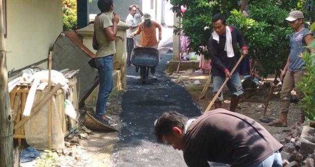 Mantap! Desa Gembongan Benahi Jalan, SPAL, Hingga PJU