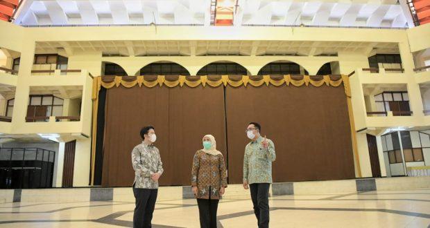 Ridwan Kamil Cek Langsung Islamic Center Surabaya untuk Desain Ulang
